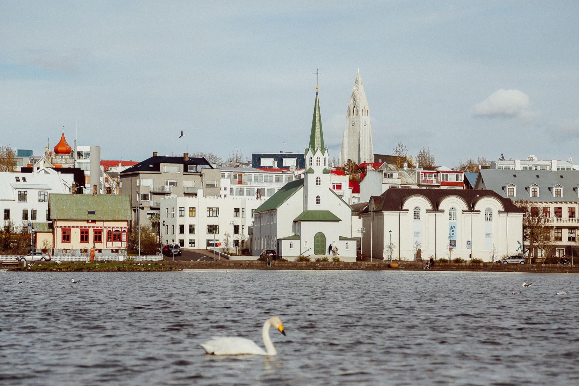 vluchten reykjavik amsterdam